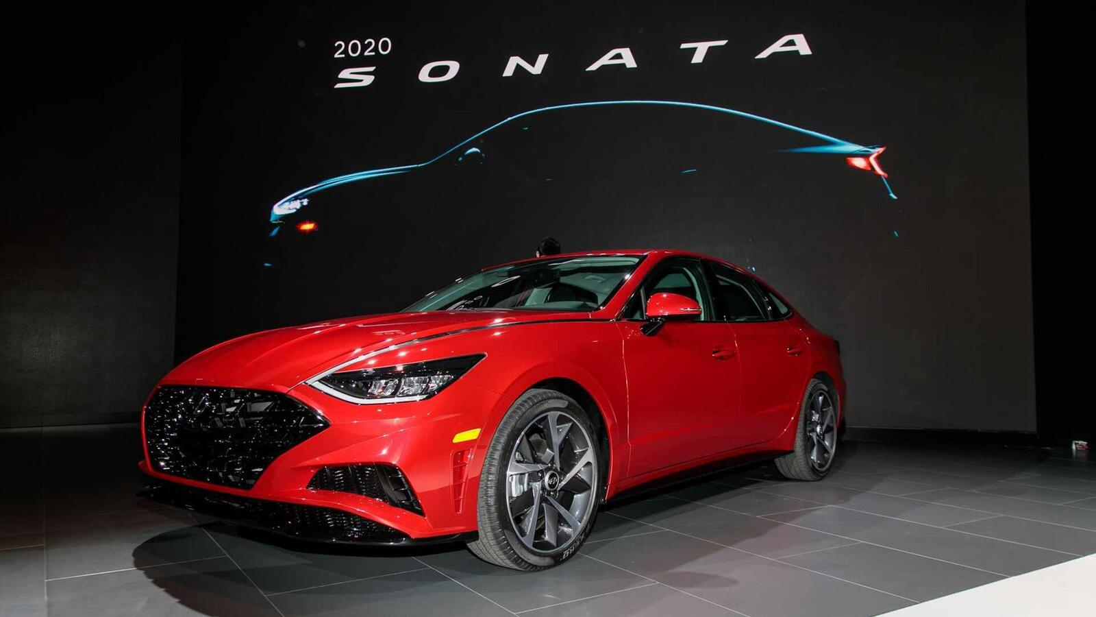 Hyundai đã ra mắt Sonata thế hệ thứ 8 tại Mỹ: Động cơ 1.6L tăng áp và 2.5L - Hình 3