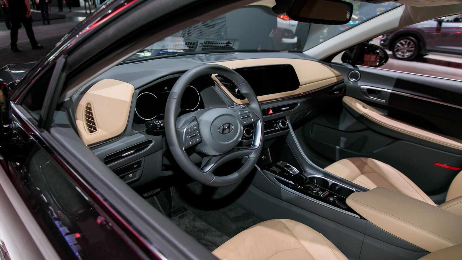 Hyundai đã ra mắt Sonata thế hệ thứ 8 tại Mỹ: Động cơ 1.6L tăng áp và 2.5L - Hình 7