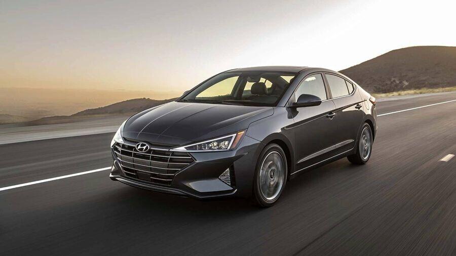 Hyundai Elantra 2019 trình làng với diện mạo sắc nét, cá tính và an toàn hơn - Hình 1