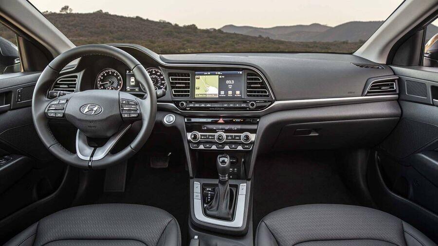 Hyundai Elantra 2019 trình làng với diện mạo sắc nét, cá tính và an toàn hơn - Hình 5