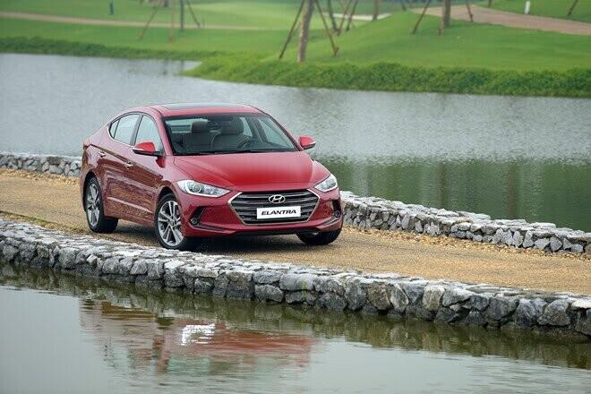 Hyundai Elantra giảm giá đến 80 triệu - Hình 2