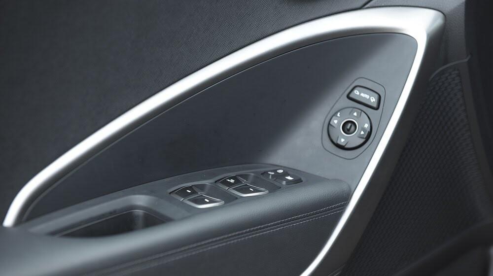 Hyundai Santa Fe 2015 phiên bản đặc biệt có gì hấp dẫn? - Hình 15