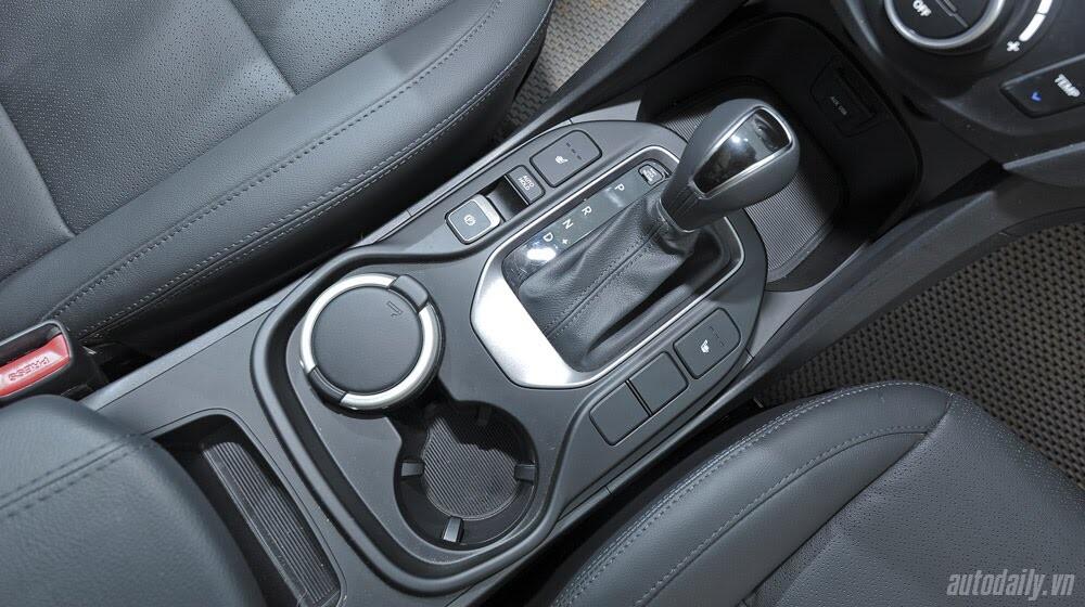 Hyundai Santa Fe 2015 phiên bản đặc biệt có gì hấp dẫn? - Hình 18