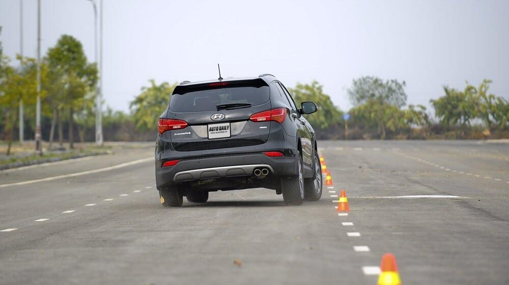 Hyundai Santa Fe 2015 phiên bản đặc biệt có gì hấp dẫn? - Hình 28