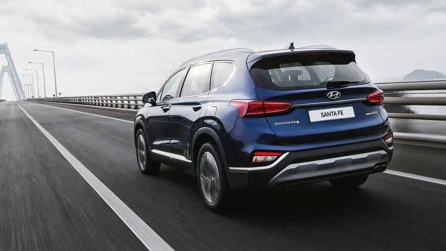 Hyundai Santa Fe 2019 định hình lại kiểu dáng, kích thước và tính đẳng cấp - Hình 7