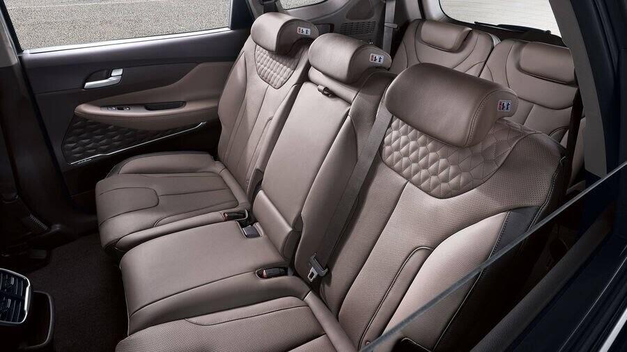 Hyundai Santa Fe 2019 định hình lại kiểu dáng, kích thước và tính đẳng cấp - Hình 13