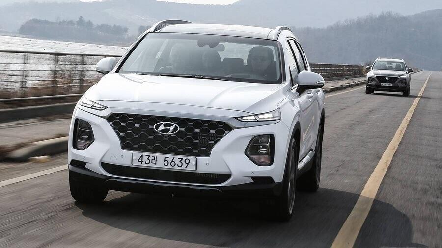 Hyundai Santa Fe 2019 định hình lại kiểu dáng, kích thước và tính đẳng cấp - Hình 14