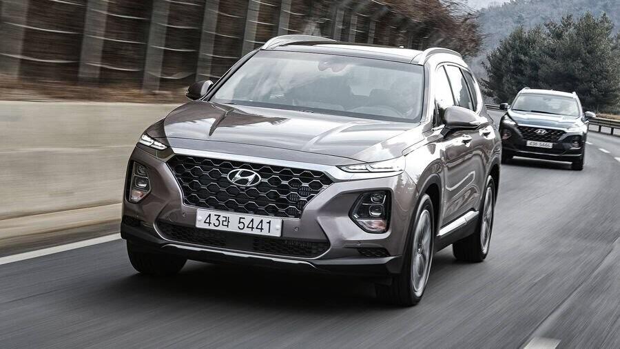 Hyundai Santa Fe 2019 định hình lại kiểu dáng, kích thước và tính đẳng cấp - Hình 15