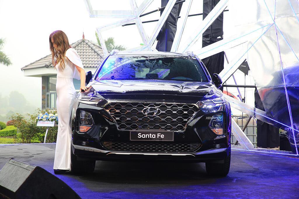Hyundai Santa Fe hoàn toàn mới trình làng - giá từ 995 triệu VND - Hình 13
