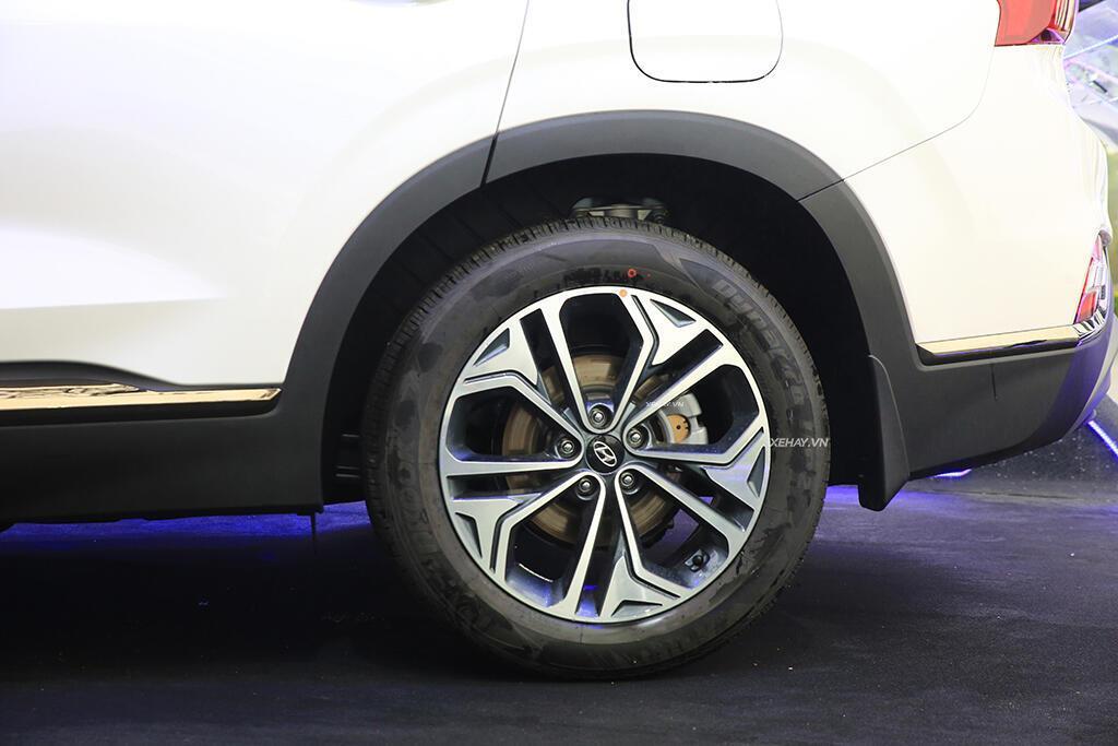 Hyundai Santa Fe hoàn toàn mới trình làng - giá từ 995 triệu VND - Hình 15