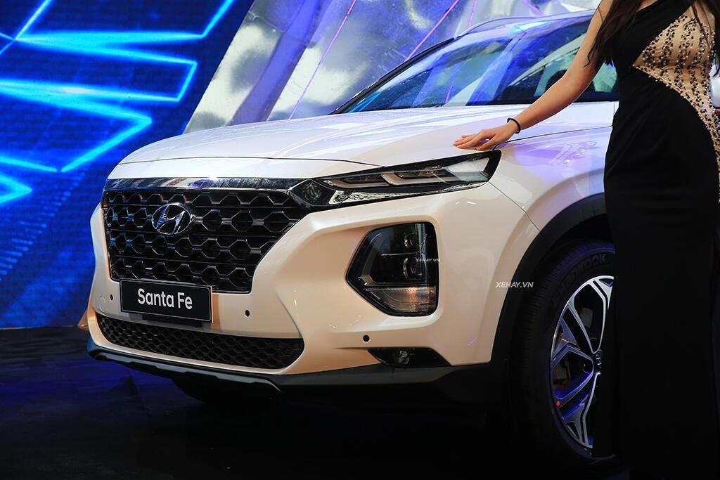 Hyundai Santa Fe hoàn toàn mới trình làng - giá từ 995 triệu VND - Hình 19