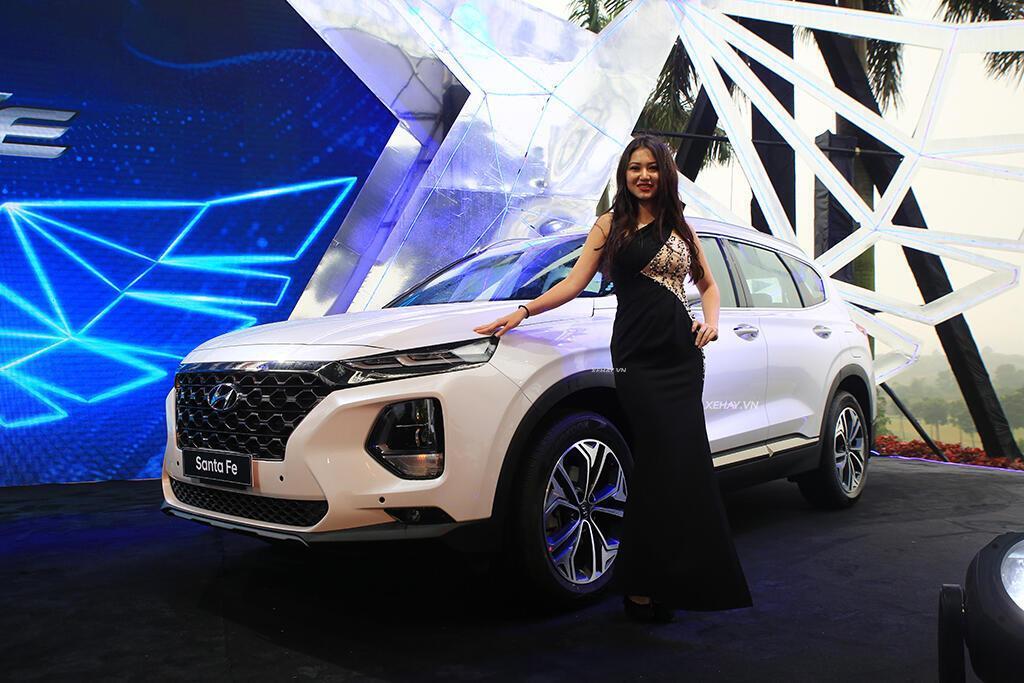 Hyundai Santa Fe hoàn toàn mới trình làng - giá từ 995 triệu VND - Hình 20