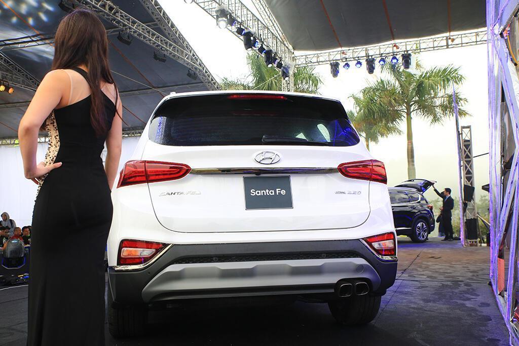 Hyundai Santa Fe hoàn toàn mới trình làng - giá từ 995 triệu VND - Hình 7