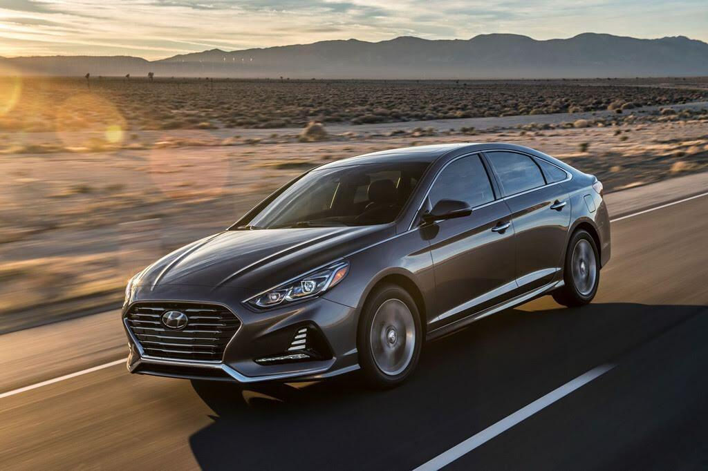 Hyundai Sonata+ 2018 giá mềm, nhiều công nghệ - Hình 1