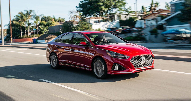 Hyundai Sonata 2.0T 2018: Đủ sức đương đầu với Accord và Camry 2018? - Hình 1