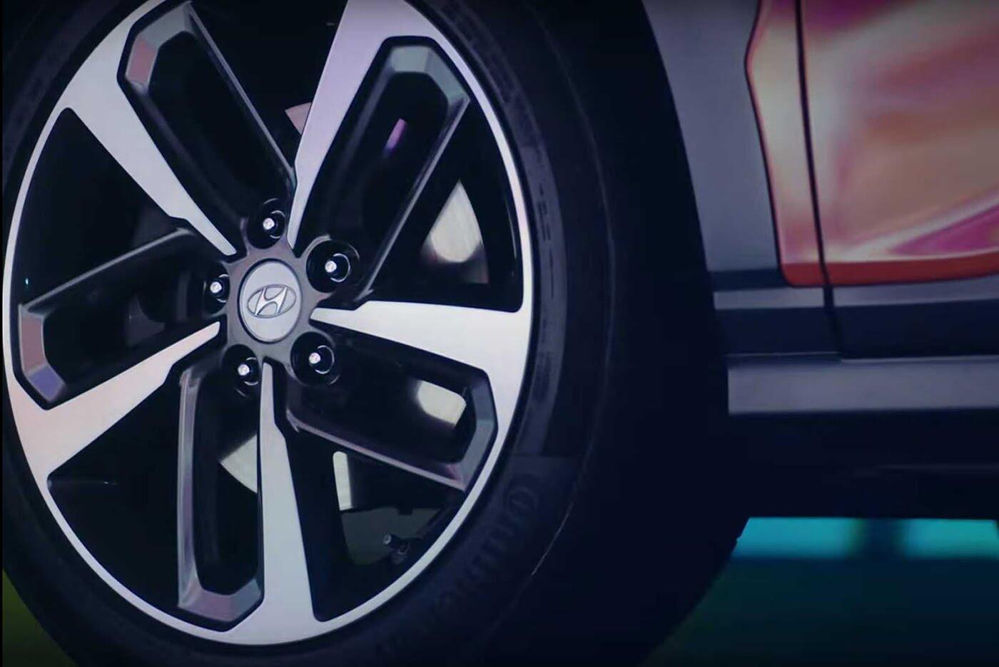 """Hyundai tiếp tục """"nhá hàng"""" SUV cỡ nhỏ Kona 2018 - Hình 6"""