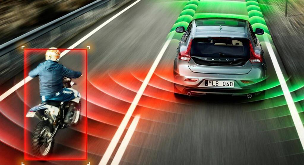 IIHS cảnh báo đừng tin vào công nghệ trợ giúp lái xe - Hình 1