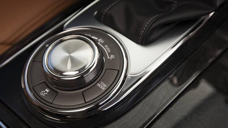 Infiniti QX80 2018 có giá từ 64.750 USD cạnh tranh với Lexus 570 và Mercedes GLS - Hình 19