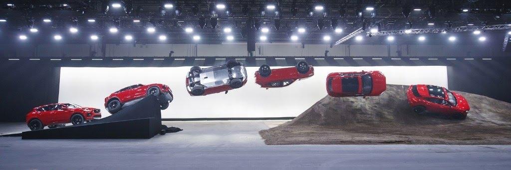 Jaguar E-Pace đã lập kỷ lục Guinness như thế nào? - Hình 1