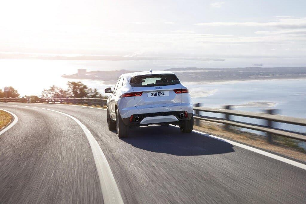 Jaguar E-Pace đã lập kỷ lục Guinness như thế nào? - Hình 5