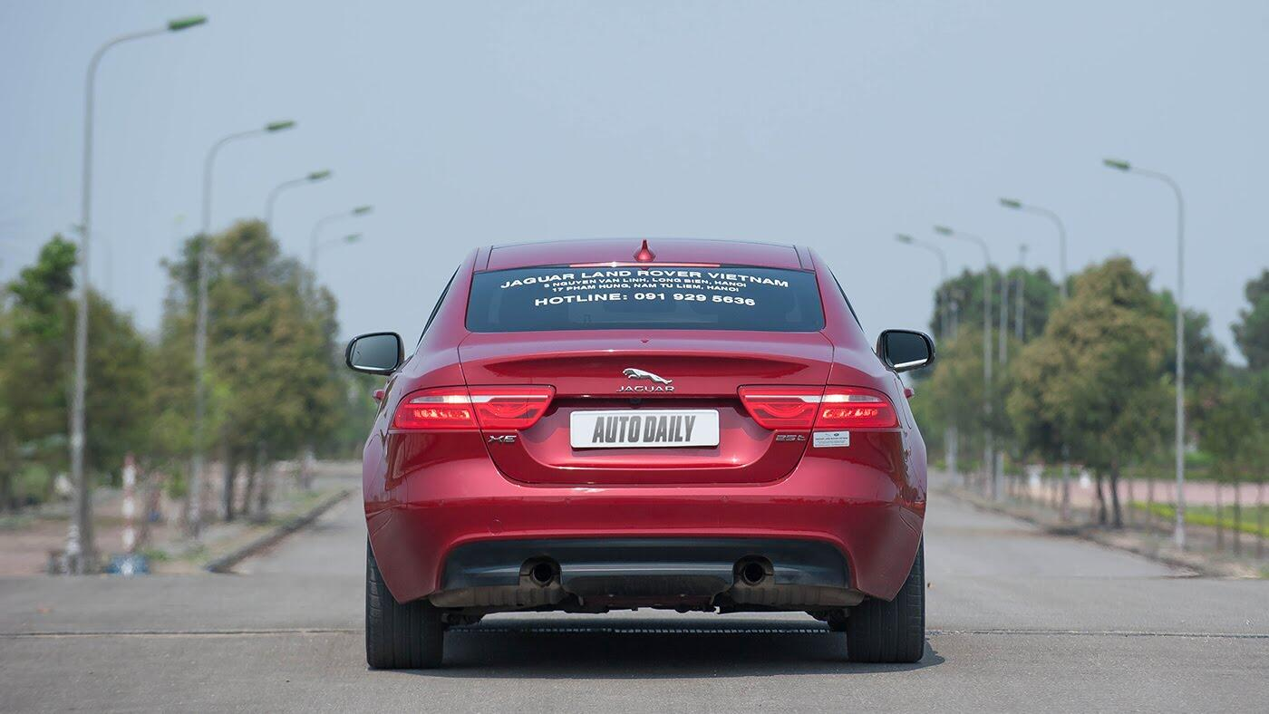 Jaguar XE - Sự xuất hiện đầy thách thức - Hình 5