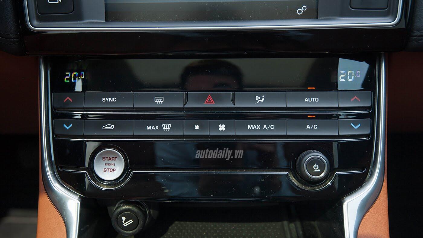 Jaguar XE - Sự xuất hiện đầy thách thức - Hình 17