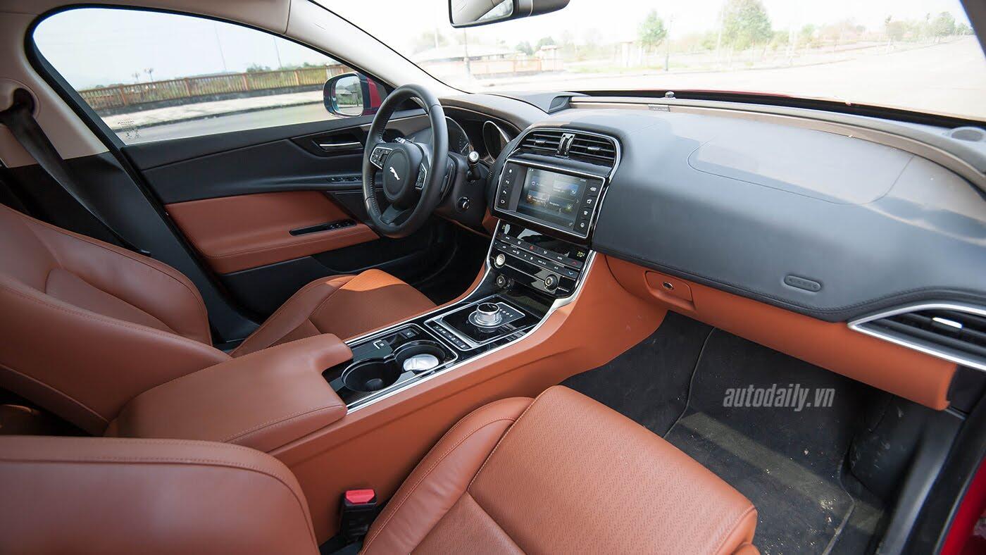 Jaguar XE - Sự xuất hiện đầy thách thức - Hình 18