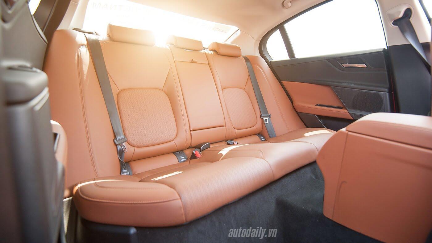 Jaguar XE - Sự xuất hiện đầy thách thức - Hình 20