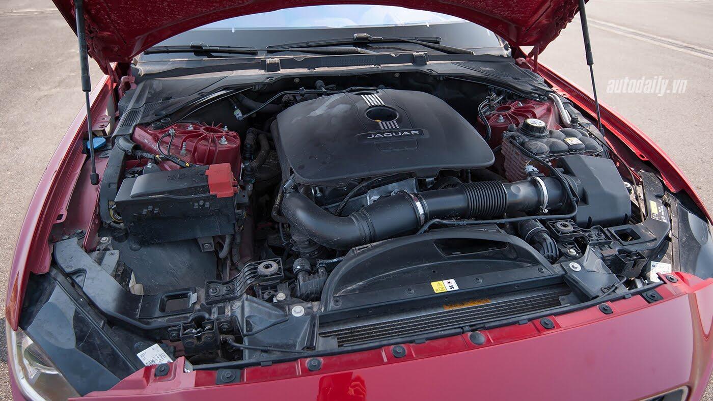 Jaguar XE - Sự xuất hiện đầy thách thức - Hình 21