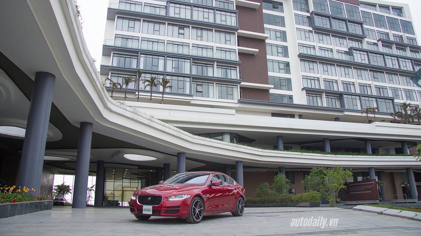 Jaguar XE - Sự xuất hiện đầy thách thức - Hình 25