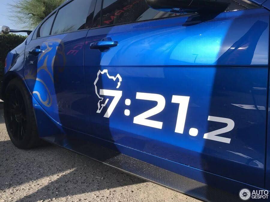 Jaguar XE SV Project 8 - đỉnh cao của sedan hiệu suất xuất hiện đầy mê hoặc ngoài đời thực - Hình 6