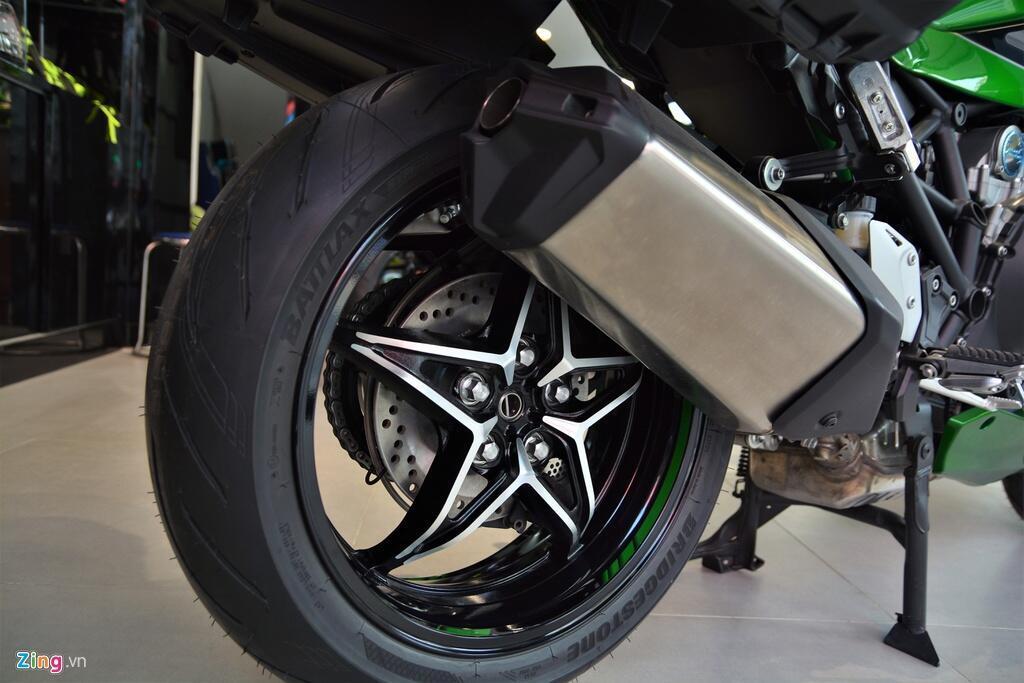 Kawasaki Ninja H2 SX SE gia gan 1 ty dong tai VN hinh anh 13 13_H2SX_zing.jpg