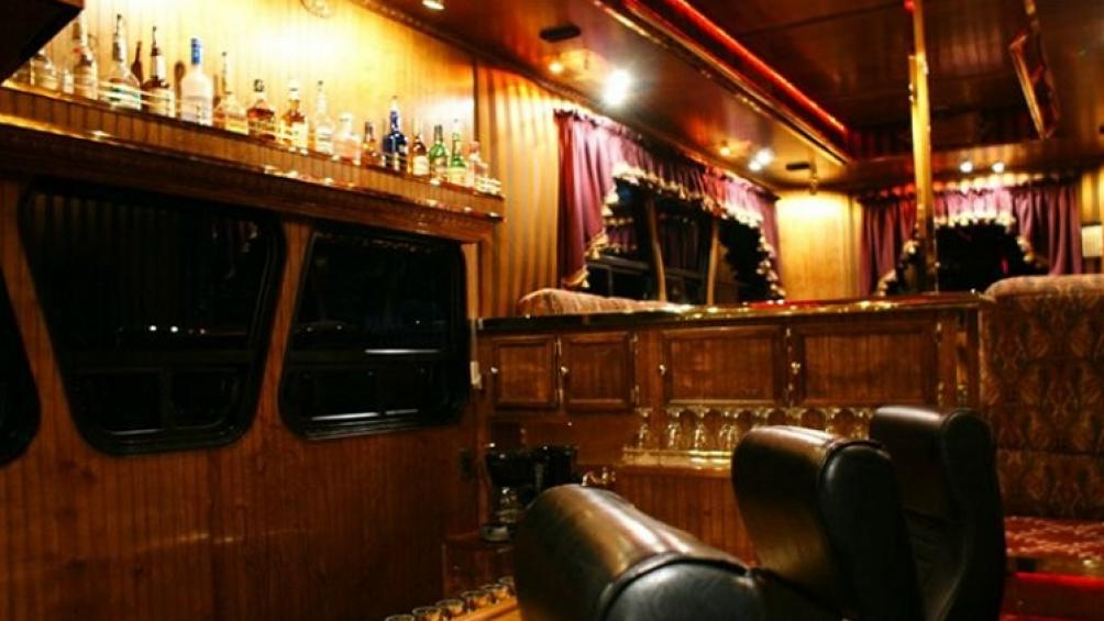 kham-pha-chiec-limousine-dai-nhat-the-gioi