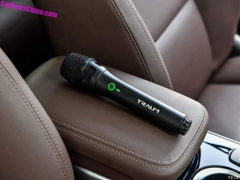 Khám phá Traum Meet 3 - chiếc SUV sở hữu cả dàn Karaoke trong xe - Hình 6