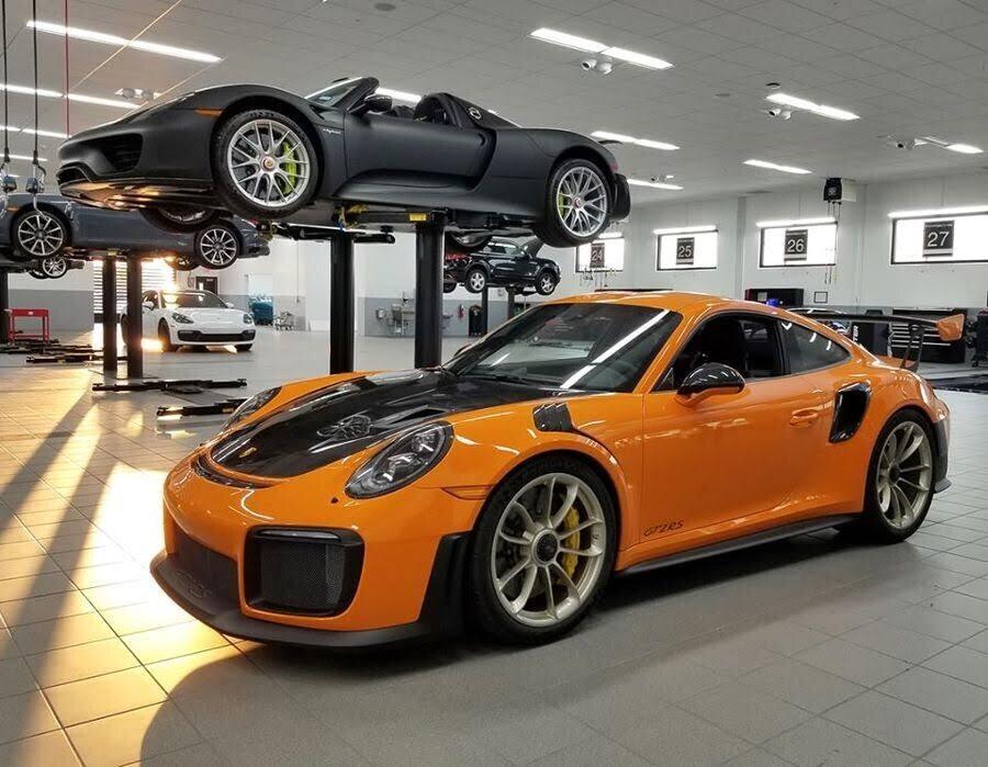 Khoác áo cam Pastel Orange, Porsche 911 GT2 RS 2018 xuất hiện như siêu sao ở Texas - Hình 1