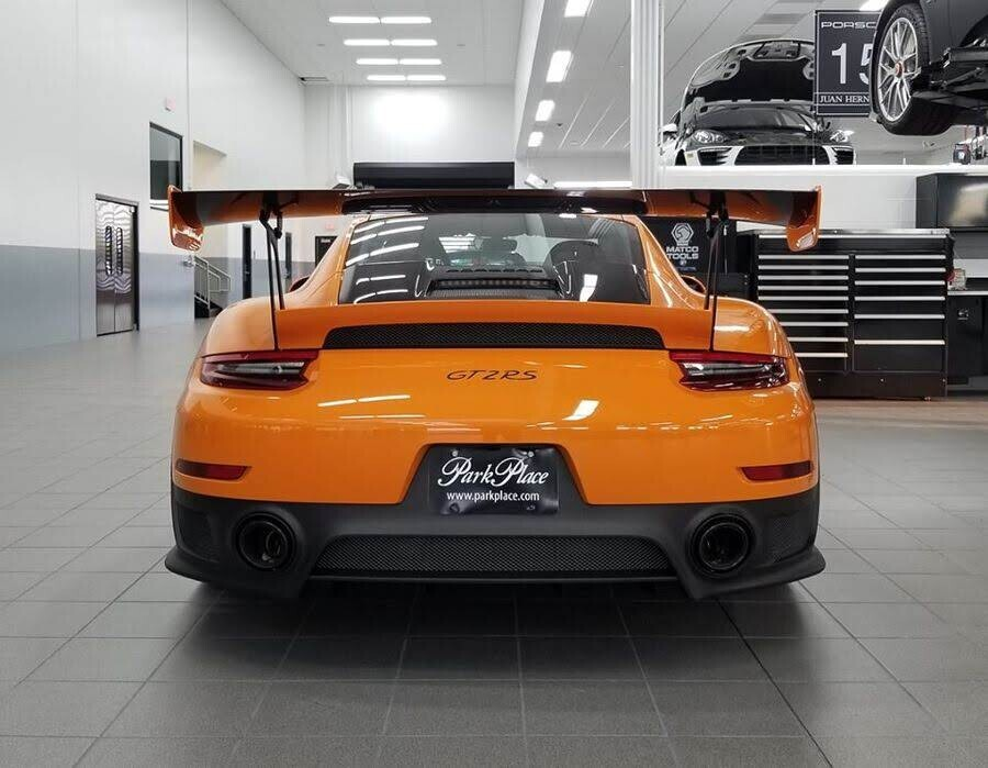 Khoác áo cam Pastel Orange, Porsche 911 GT2 RS 2018 xuất hiện như siêu sao ở Texas - Hình 3