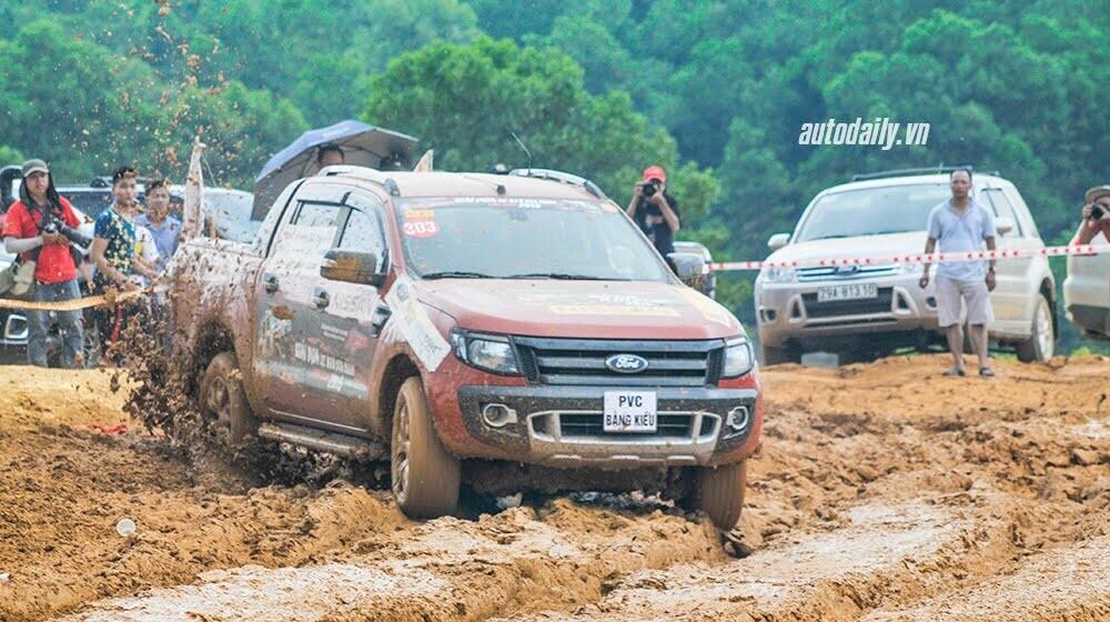 Khởi tranh giải đua ôtô địa hình hấp dẫn nhất Việt Nam - Hình 1
