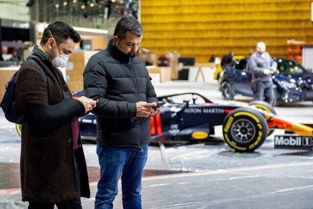Khung cảnh tan hoang của Geneva Motor Show 2020: Tất cả đắp chiếu chờ tháo dỡ - Ảnh 18.