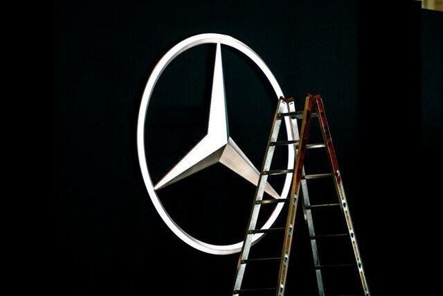 Khung cảnh tan hoang của Geneva Motor Show 2020: Tất cả đắp chiếu chờ tháo dỡ - Ảnh 13.
