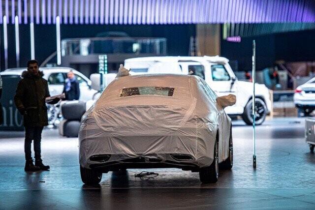 Khung cảnh tan hoang của Geneva Motor Show 2020: Tất cả đắp chiếu chờ tháo dỡ - Ảnh 3.