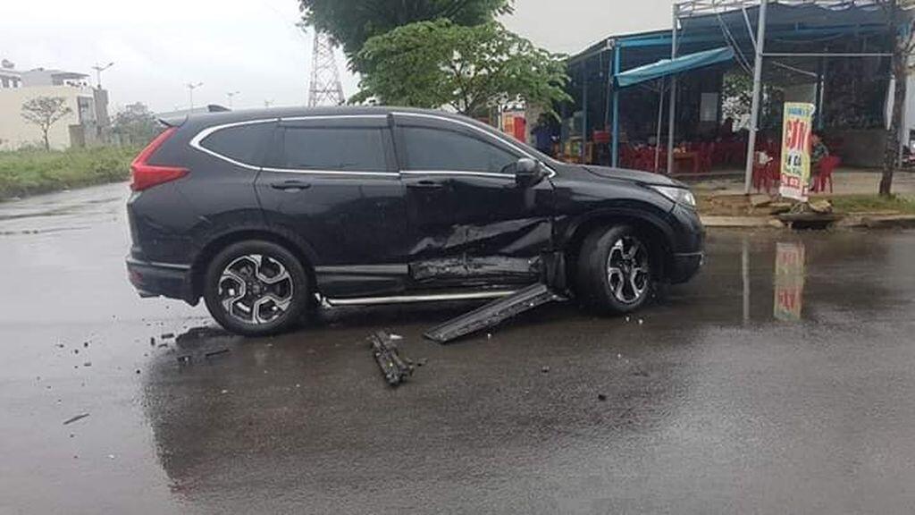 Kia Cerato 2019 mới cứng chưa có biển đã bị tai nạn tại Đà Nẵng - Hình 3