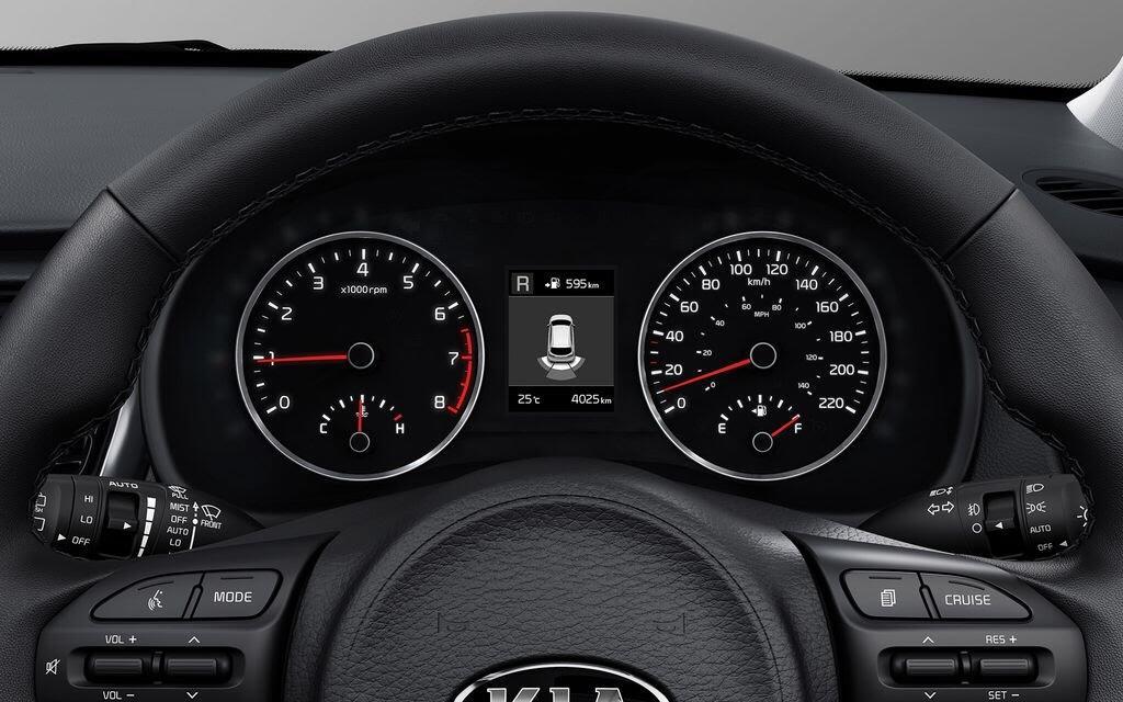 Kia Rio Hatchback 2017 ra mắt thị trường Malaysia với giá từ 424 triệu VNĐ - Hình 13