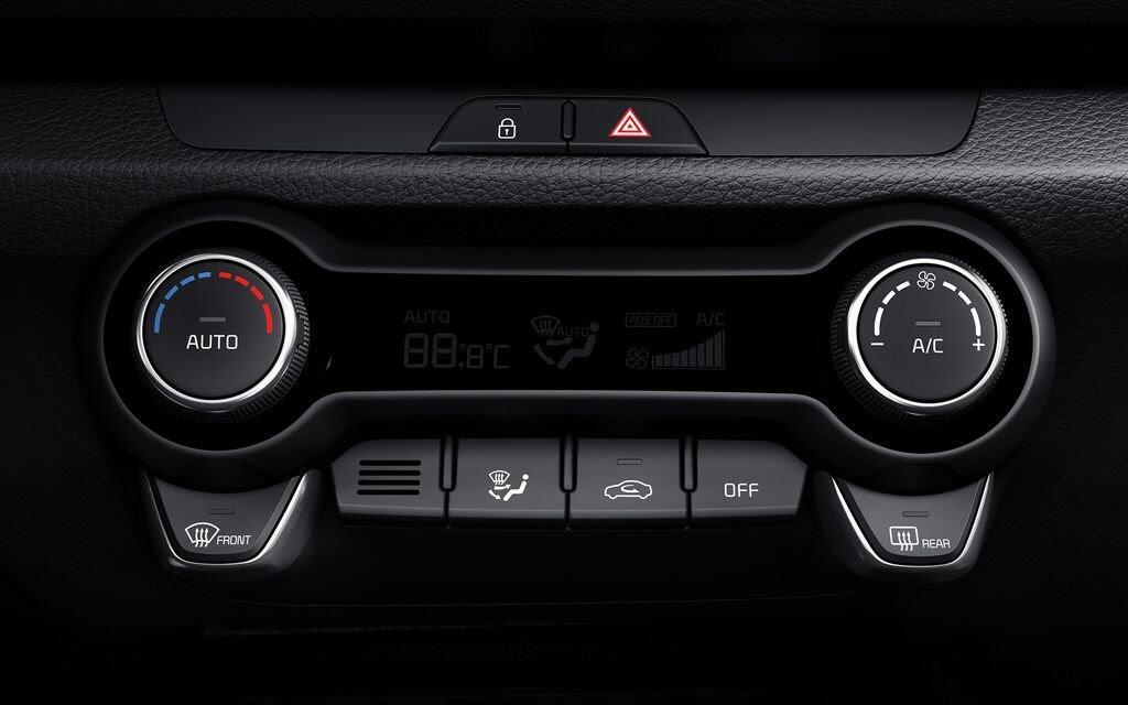 Kia Rio Hatchback 2017 ra mắt thị trường Malaysia với giá từ 424 triệu VNĐ - Hình 15