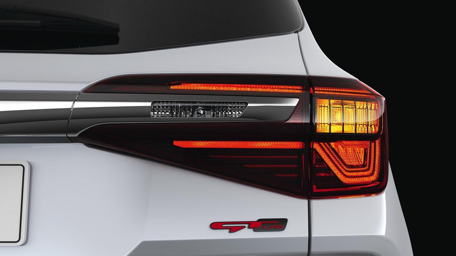 Kia Seltos chính thức ra mắt: Thách thức C-HR, HR-V hay EcoSport - Hình 6