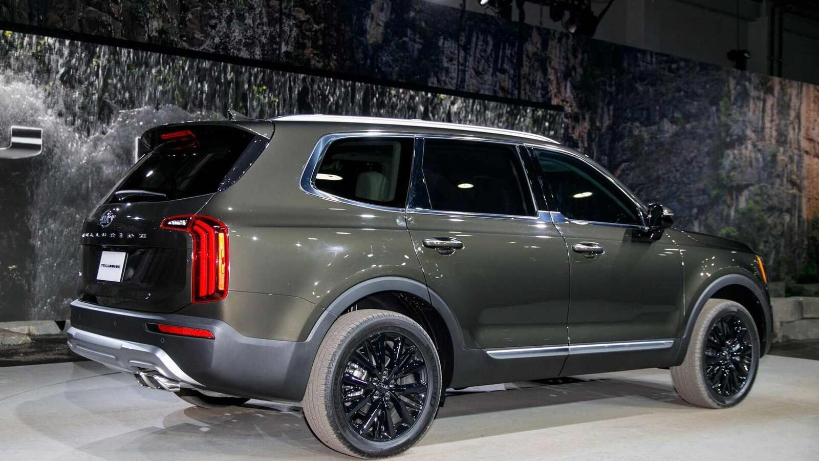 Kia Telluride 2020 có giá khởi điểm cao hơn Toyota Highlander hay Honda Pilot - Hình 10
