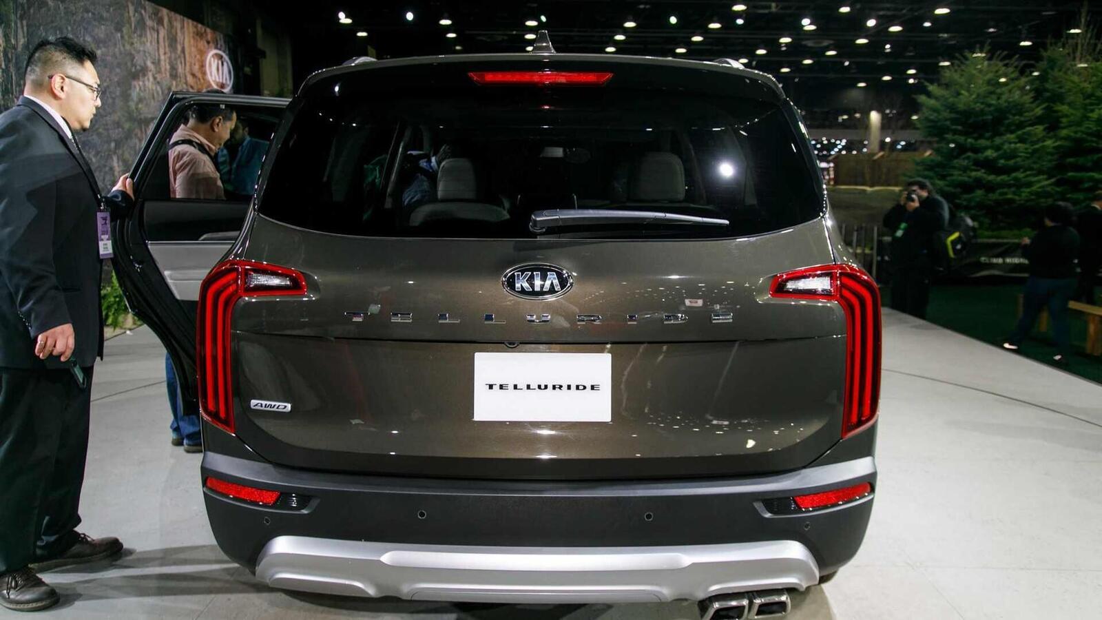 Kia Telluride 2020 có giá khởi điểm cao hơn Toyota Highlander hay Honda Pilot - Hình 12