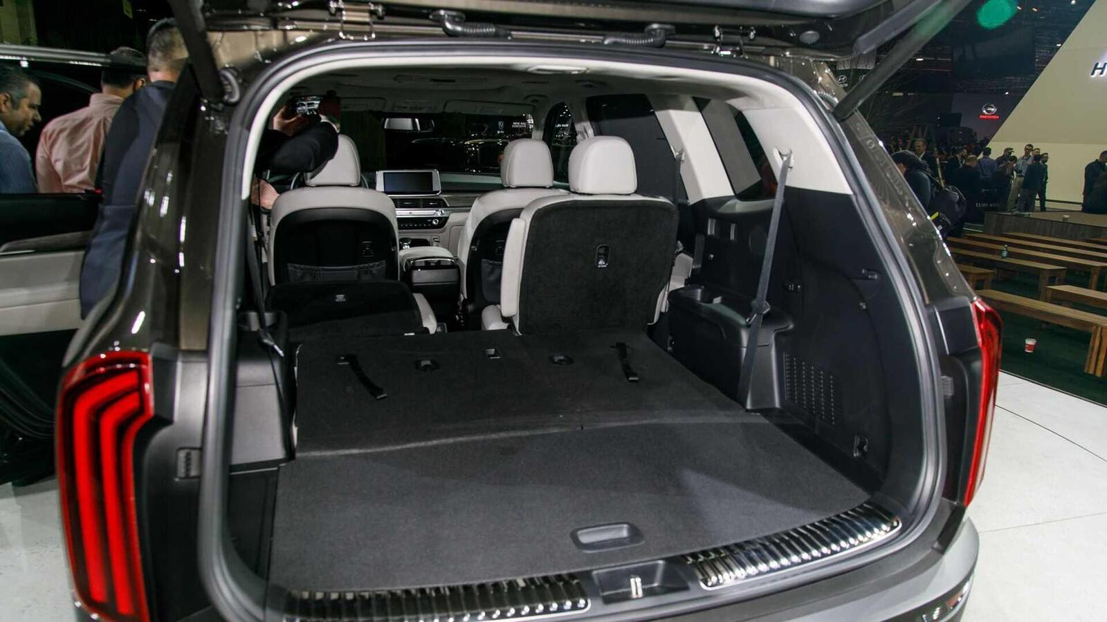 Kia Telluride 2020 có giá khởi điểm cao hơn Toyota Highlander hay Honda Pilot - Hình 18