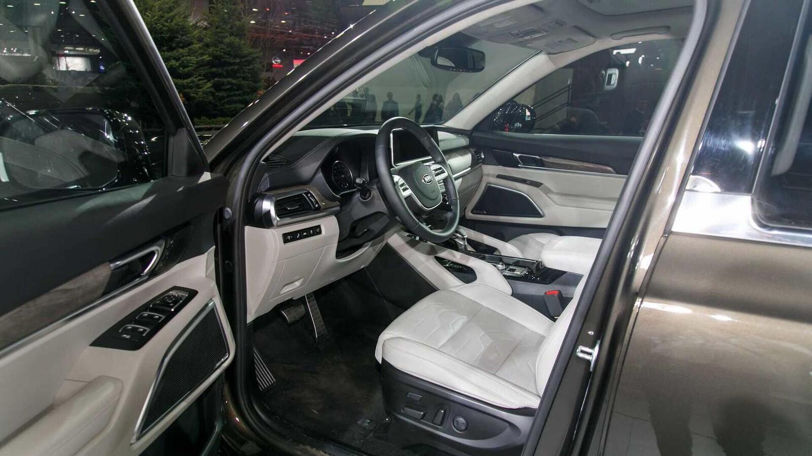 Kia Telluride 2020 có giá khởi điểm cao hơn Toyota Highlander hay Honda Pilot - Hình 6