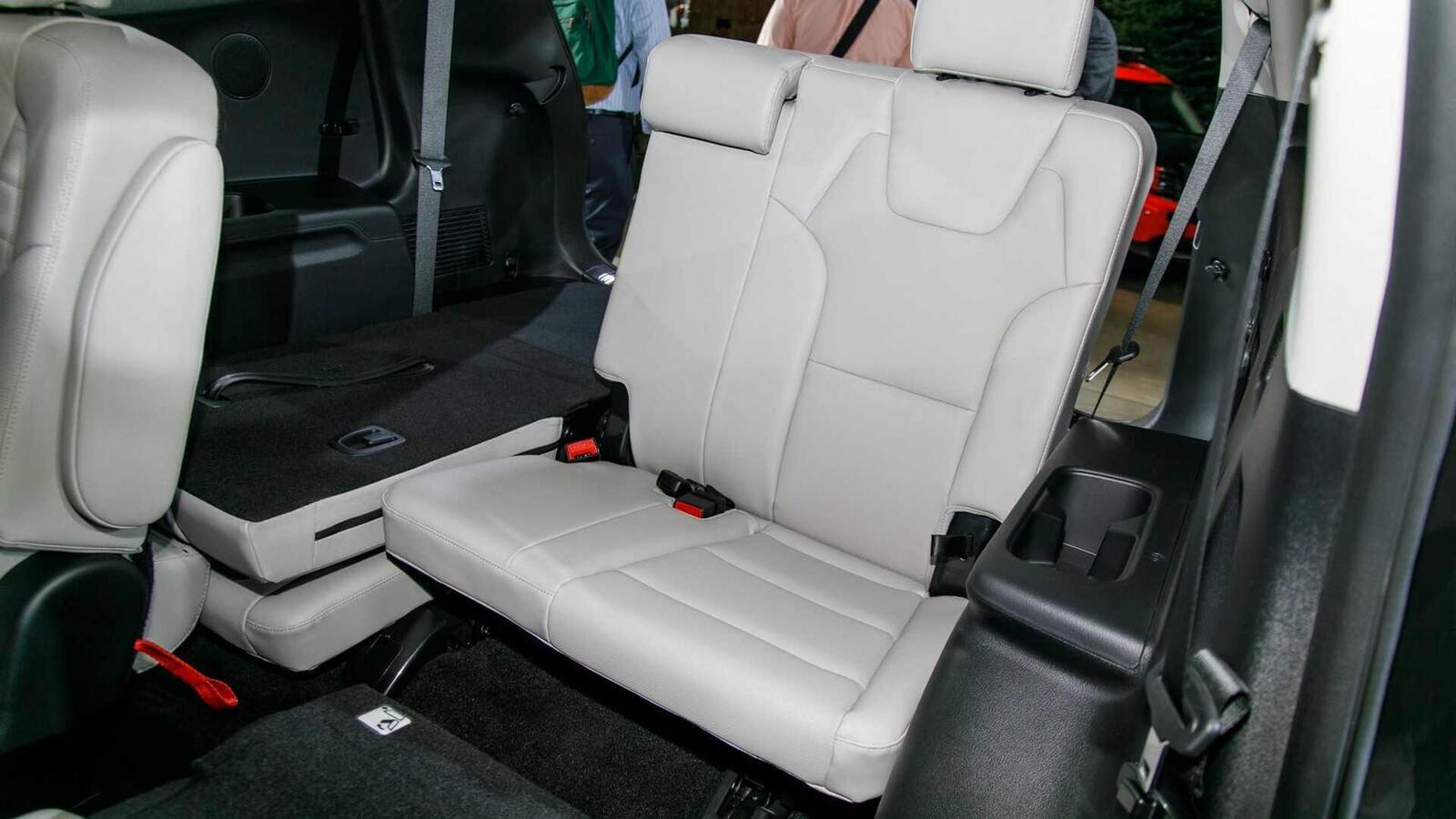 Kia Telluride 2020 có giá khởi điểm cao hơn Toyota Highlander hay Honda Pilot - Hình 8