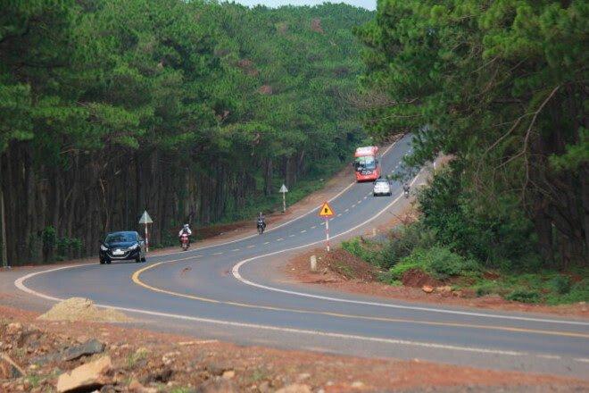 Kinh nghiệm lái xe đường dài trong dịp nghỉ lễ 30/4 - Hình 1